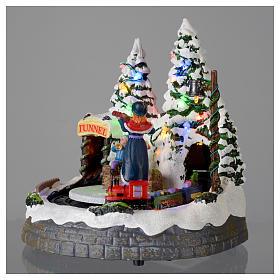 Villaggio bianco natalizio con treno in movimento 20x20x20 cm s3