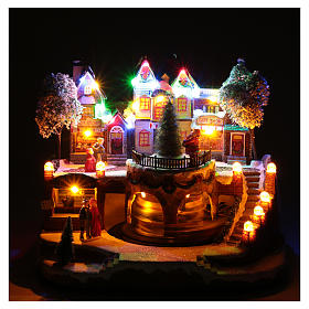 Christmas village with moving train 25x25x20 cm s4