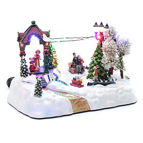 Animated village with tree, movement, led lights and Christmas music 20x25x15 cm s3