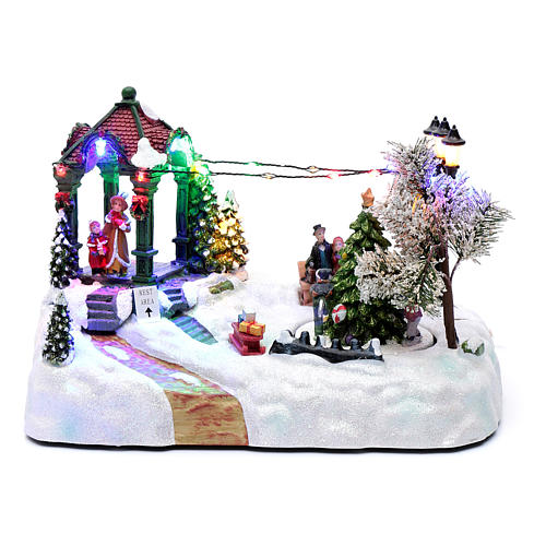 Animated village with tree, movement, led lights and Christmas music 20x25x15 cm 1