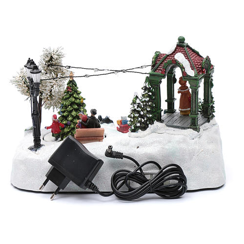 Animated village with tree, movement, led lights and Christmas music 20x25x15 cm 5