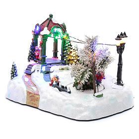 Paisaje navideño con movimiento, luces y música navideña 20x25x15 cm s2