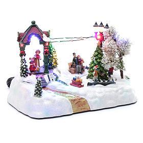 Paisaje navideño con movimiento, luces y música navideña 20x25x15 cm s3