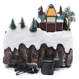 Villaggio natalizio musicale treno movimento e pattinaggio 25x25x15 cm s6
