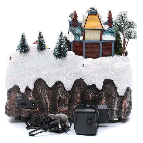 Villaggio natalizio musicale treno movimento e pattinaggio 25x25x15 cm 6