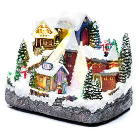 Moving Christmas ski slope with tree 25x30x15 cm s2