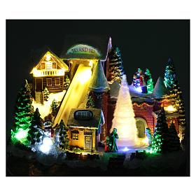 Pista da sci natalizia con albero in movimento 25x30x15 cm s4