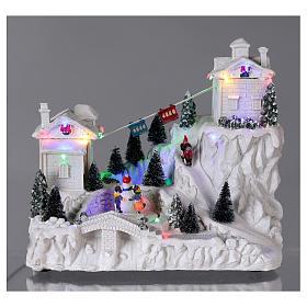 Villaggio natalizio con funivia 30x30x15 cm s2