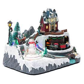 Weihnachtsszene Zug und Schneemann 20x25x20cm Licht und Bewegung s3