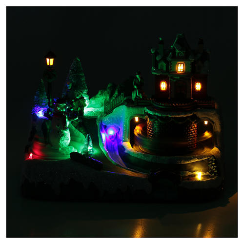 Weihnachtsszene Zug und Schneemann 20x25x20cm Licht und Bewegung 4