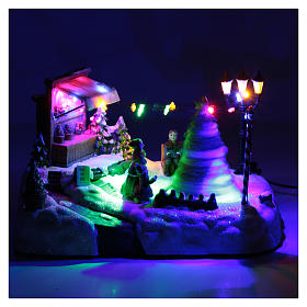 Moving Christmas village with tree sale and music 20x25x20 cm s4