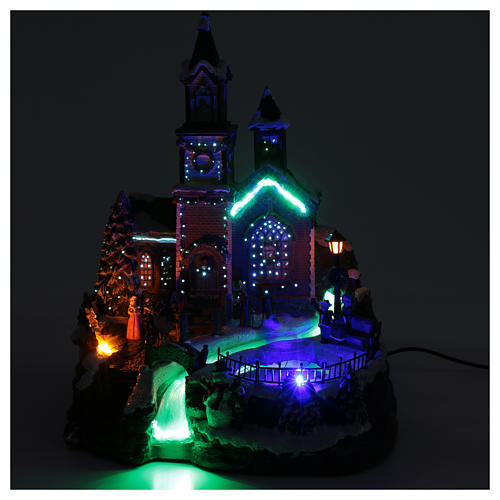Villaggio natalizio musicale illuminato lago ghiacciato movimento 38X28X30 cm 5