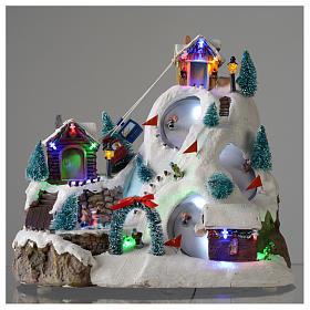 Villaggio natalizio luminoso musicale movimento pista sci laghetto 29X31X22 cm s2