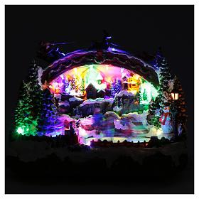 Villaggio natalizio luminoso musicale movimento pattinatori albero natale 24X33X21 cm s4