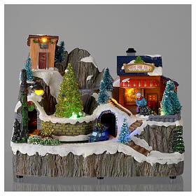 Villaggio natalizio luminoso musica trenino movimento pompieri 19X23X16 cm s2