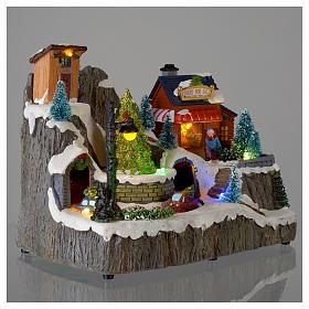 Villaggio natalizio luminoso musica trenino movimento pompieri 19X23X16 cm s4