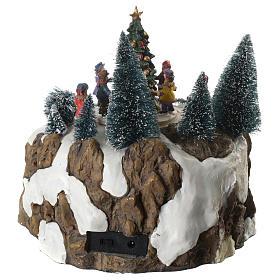 Winterszene Zug und Kinder um Tannenbaum 25x20cm Licht und Bewegung s4