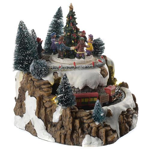 Winterszene Zug und Kinder um Tannenbaum 25x20cm Licht und Bewegung 3