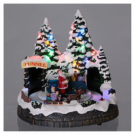 Christmas village scene moving sleigh, tunnel and Santa Claus 20x20x18 cm s2