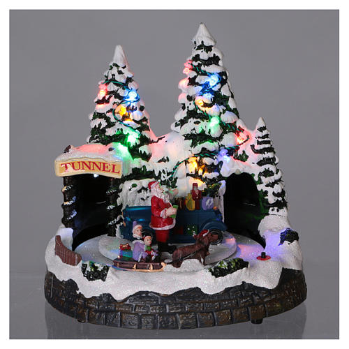 Christmas village scene moving sleigh, tunnel and Santa Claus 20x20x18 cm 2