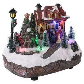Village de Noël 15x20x10 cm avec sapin de Noël en mouvement piles s4