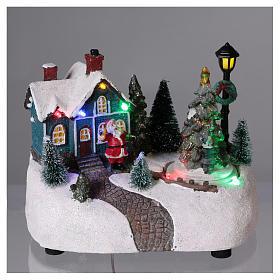 Villaggio di Natale 15x20x10 cm con albero in movimento batteria s2