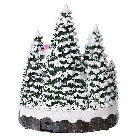 Christmas Tree Scene 30x25x20 cm with moving men battery and electric powered s5