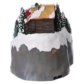 Village Noël 25x25x35 cm montagne avec skieurs mouvement piles et courant s5