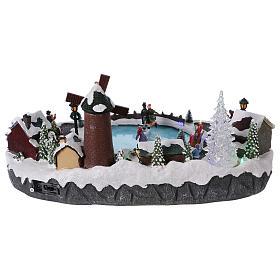 Villaggio Natale 20x45x30 cm albero mulino pattinatori mov batteria e corrente s5