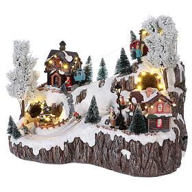 Weihnachtsdorf, mit Beleuchtung, Musik und beweglicher Seilbahn und Abfahrtsläufern, 35x45x30 cm, Netzanschluss s3