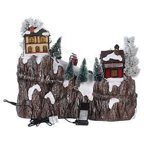 Weihnachtsdorf, mit Beleuchtung, Musik und beweglicher Seilbahn und Abfahrtsläufern, 35x45x30 cm, Netzanschluss s5