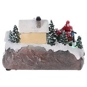 Pueblo navideño 15x20x15 cm luces y movimiento batería s5