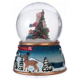 Schneekugel Weihnachtsmann mit Rennitieren Musik und Glitter s5