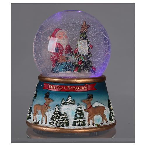 Schneekugel Weihnachtsmann mit Rennitieren Musik und Glitter 4