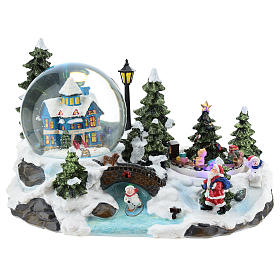 Christmas snow globes: Christmas setting with snowball and train 15x25x15 cm