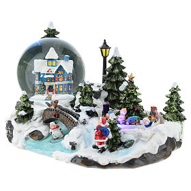 Christmas village with snow globe and train 15x25x15 cm s3