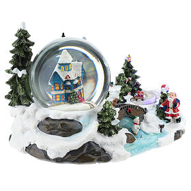 Christmas village with snow globe and train 15x25x15 cm s4