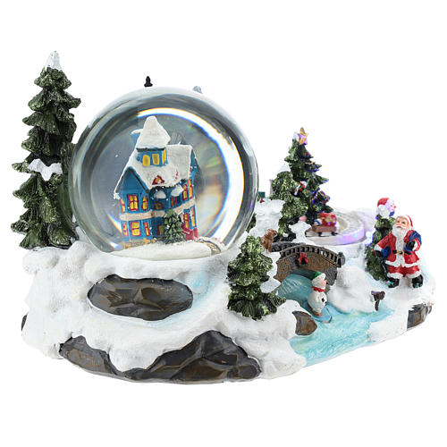 Christmas village with snow globe and train 15x25x15 cm 4