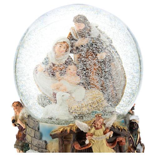 Schneekugel mit Heiliger Familie und Spieldose, 20 cm hoch 2