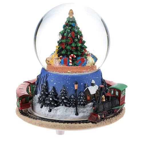 Palla di neve con albero di Natale e trenino carillon h. 15 cm 4