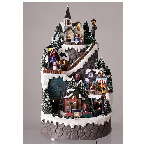 Villaggio natalizio realizzato in resina 42x24 cm strutturato su più livelli 2