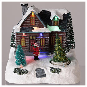 Casa iluminada con Papá Noel para pueblo de Navidad 20x20x15 cm s2