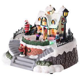 Casa di Babbo Natale con elfi per villaggio 15x20 cm s3