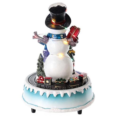 Bonhomme de neige avec cadeaux 15x20 cm 5