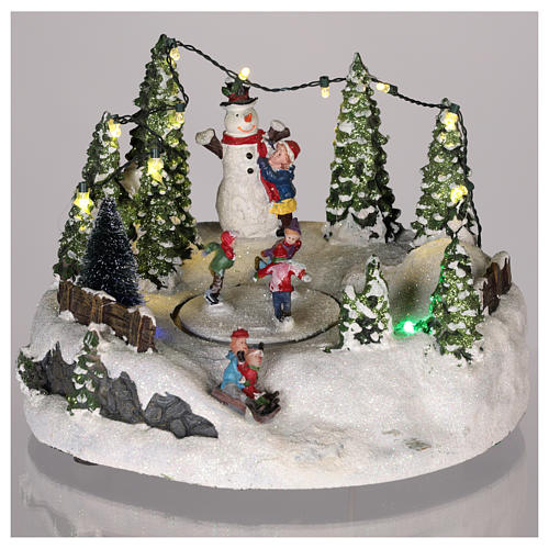 Scena per villaggio Natale: pista pattinaggio e pupazzo di neve 15x20 2