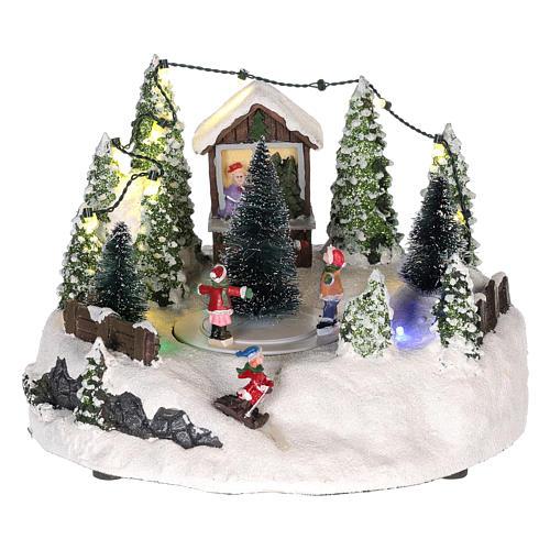 Cena para cenário natalino: árvore de Natal e pista de patinagem 15x20 cm 1