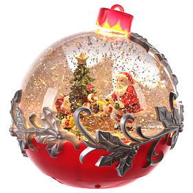 Palla di vetro con Babbo Natale su slitta 15x15 cm s1