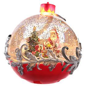 Palla di vetro con Babbo Natale su slitta 15x15 cm s3