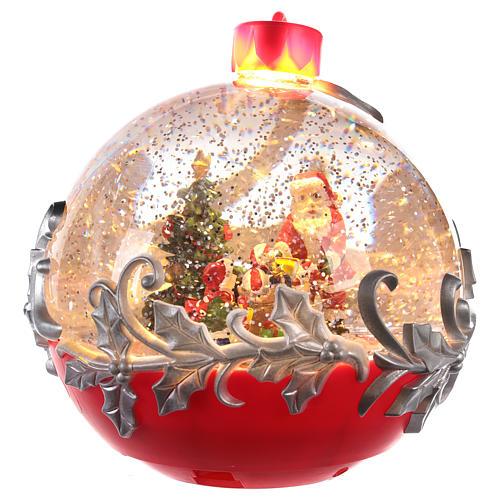 Palla di vetro con Babbo Natale su slitta 15x15 cm 3