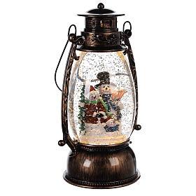 Globo de neve com bonecos de neve numa lanterna 25x10 cm s3